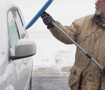 SnoBrum - removing snow on car
