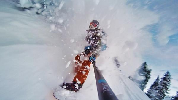 Axiom Snow Goggle on the Mountain