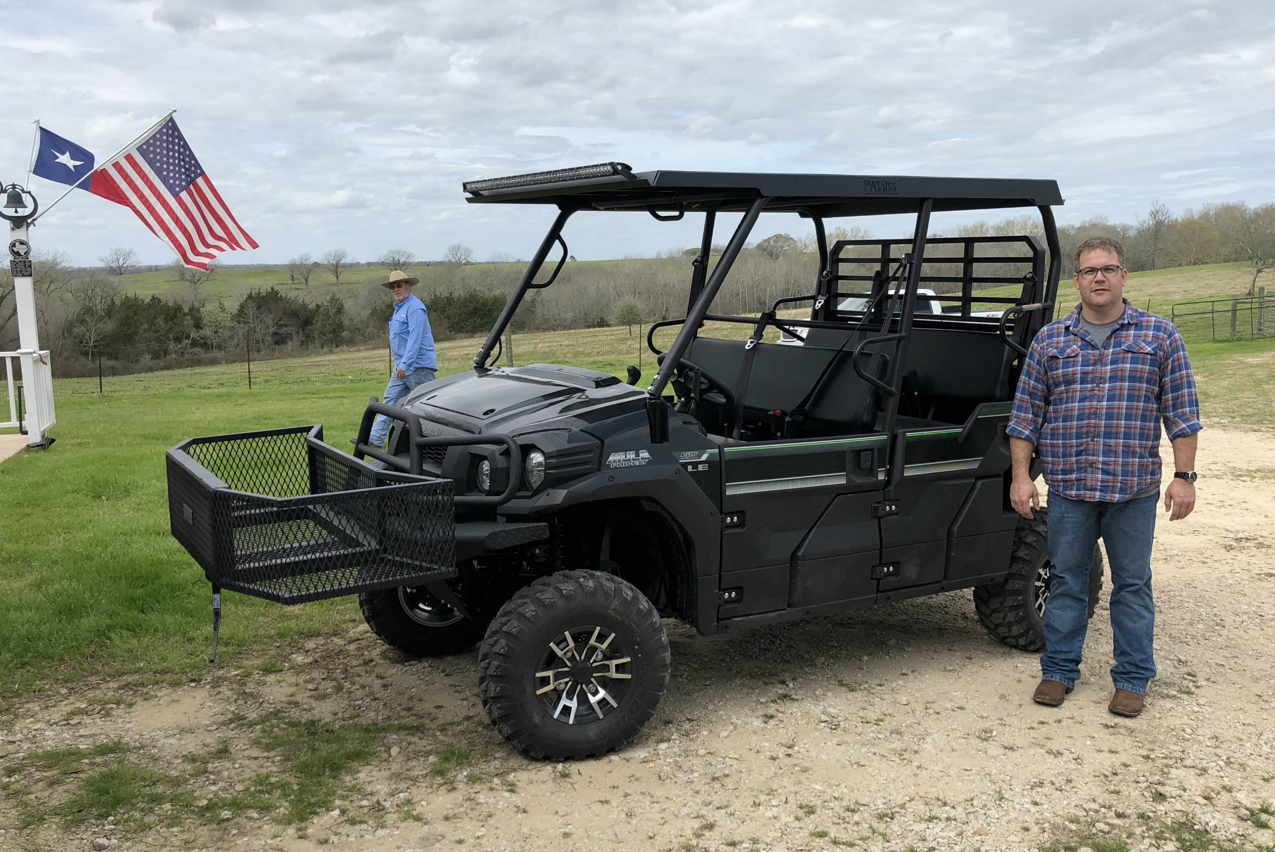 kawasaki-mule-pro-fxt-lee-rush-ranch-armor-metal-top-and-front-hitch-basket-outfit-lift.jpg