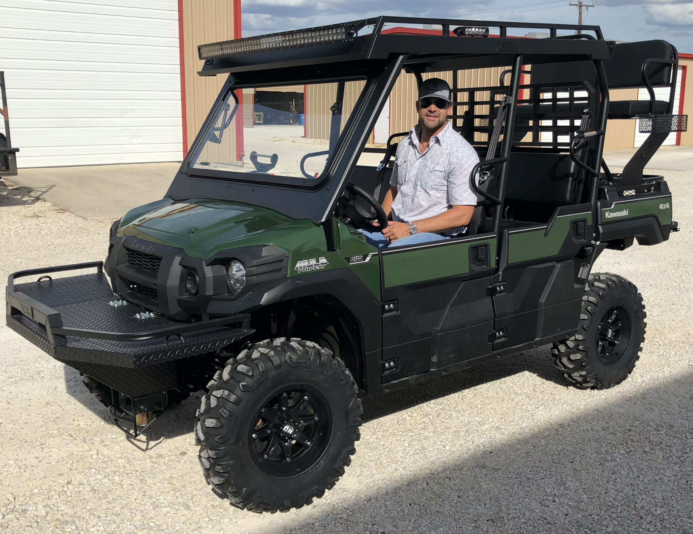 kawasaki-mule-pro-fxt-outfit-high-seat-metal-roof-feeder-front-bumper-basket-windshield.jpg