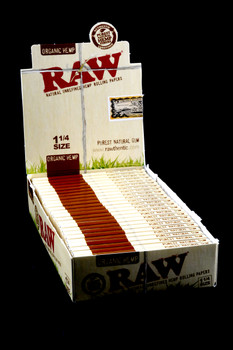 Raw Organic Rolling Papers 1 1/4 - RP279