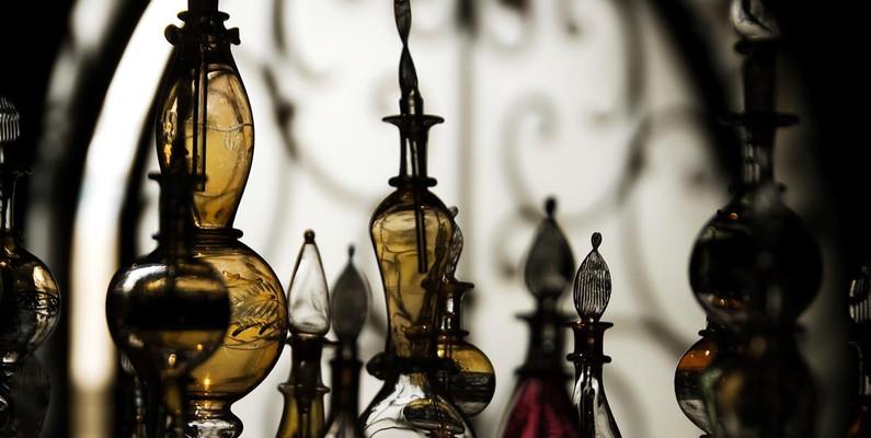 A Brief History of Perfumes & Fragrances