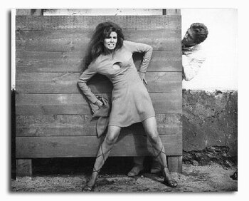 (SS2250027) Raquel Welch  Fathom Movie Photo