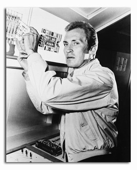 (SS2294461) Roy Thinnes  The Invaders Movie Photo