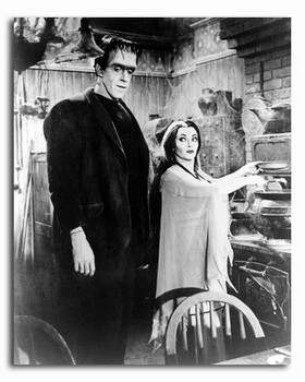(SS2320448) Cast   The Munsters Movie Photo