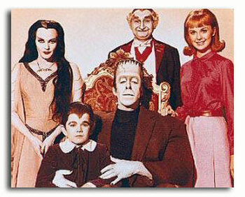 (SS2868749) Cast   The Munsters Movie Photo