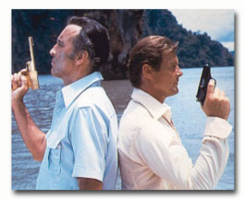 (SS3272295) Roger Moore Movie Photo