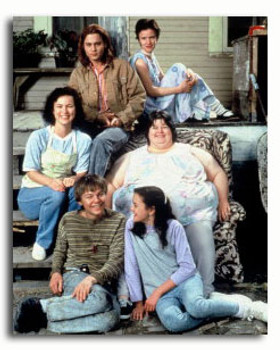 (SS3339609) Cast   What's Eating Gilbert Grape Movie Photo
