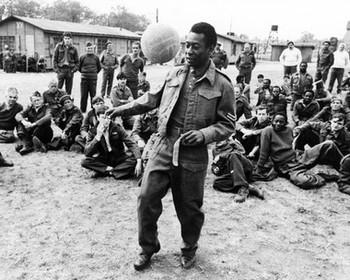 (SS2438345) Pele Soccer Sport Celebrity Photo