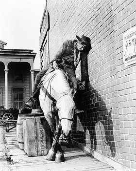 (SS2473354) Lee Marvin  Cat Ballou Music Photo Classic Drunk On Horseback