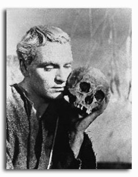 (SS197665) Laurence Olivier  Hamlet Movie Photo