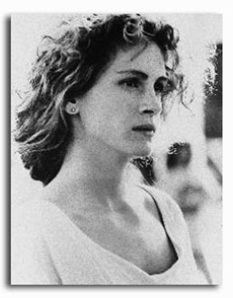 (SS211549) Julia Roberts  Sleeping with the Enemy Movie Photo
