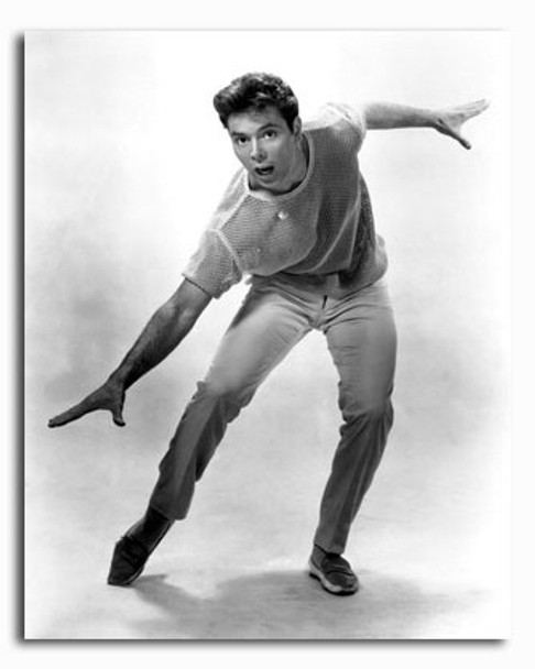 (SS2426957) Cliff Richard Music Photo