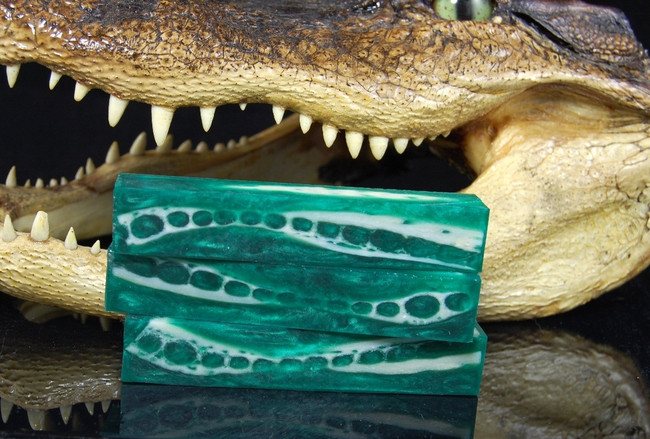 BAMBOO GREEN - GATOR (SMALL)