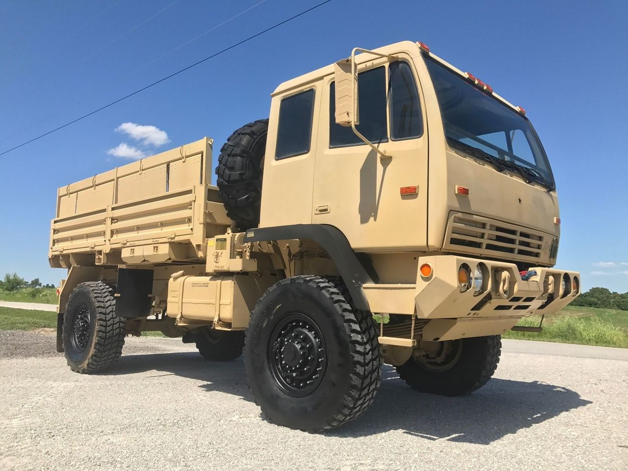 Military Vehicles For Sale >> SOLD 2000 STEWART AND STEVENSON M1078 MILITARY 4x4 LMTV FMTV TRUCK EMP UNIMOG - Midwest Military ...