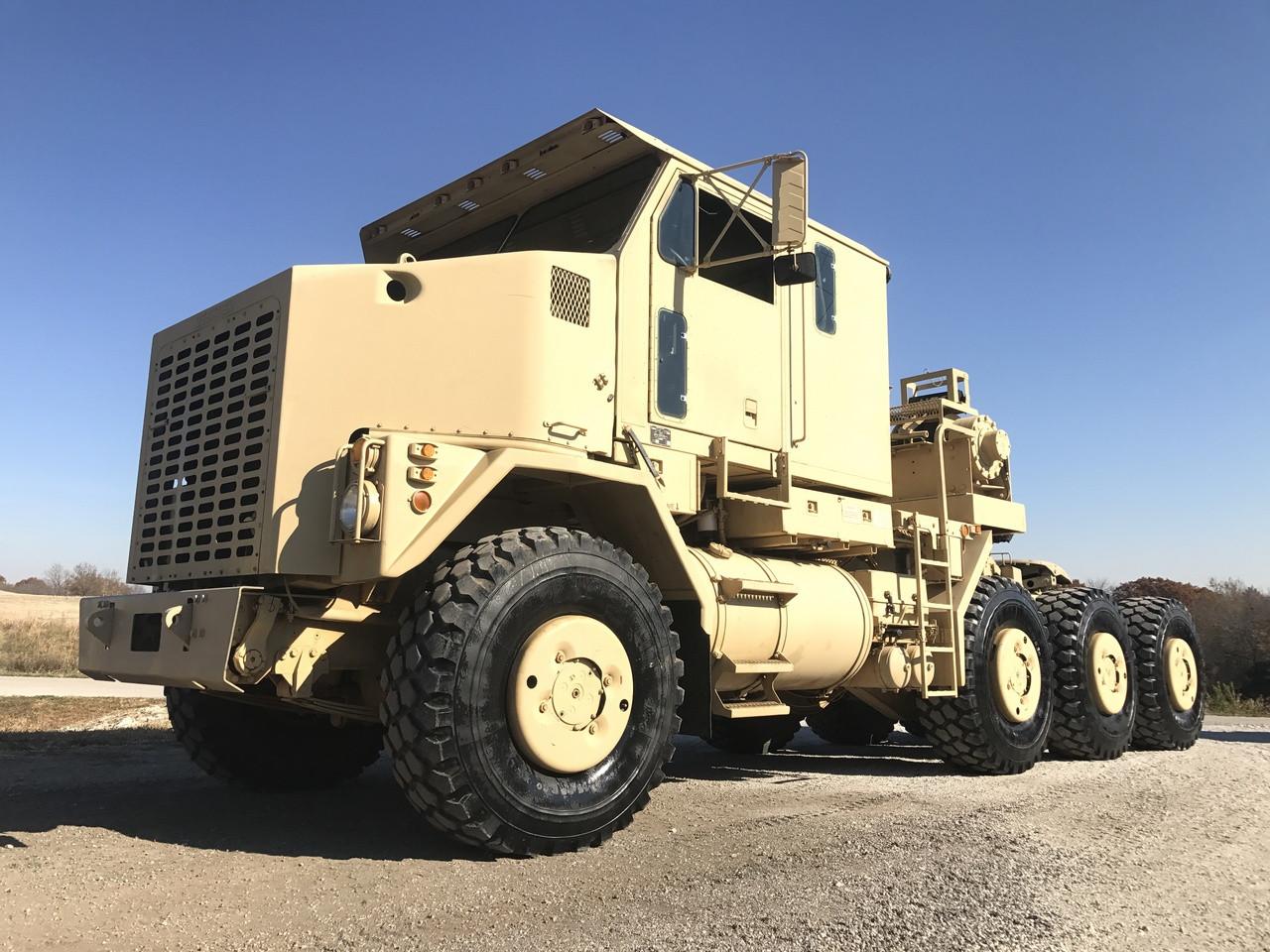 Oshkosh M1070 8x8 HET Military Heavy Haul Tractor Truck ...