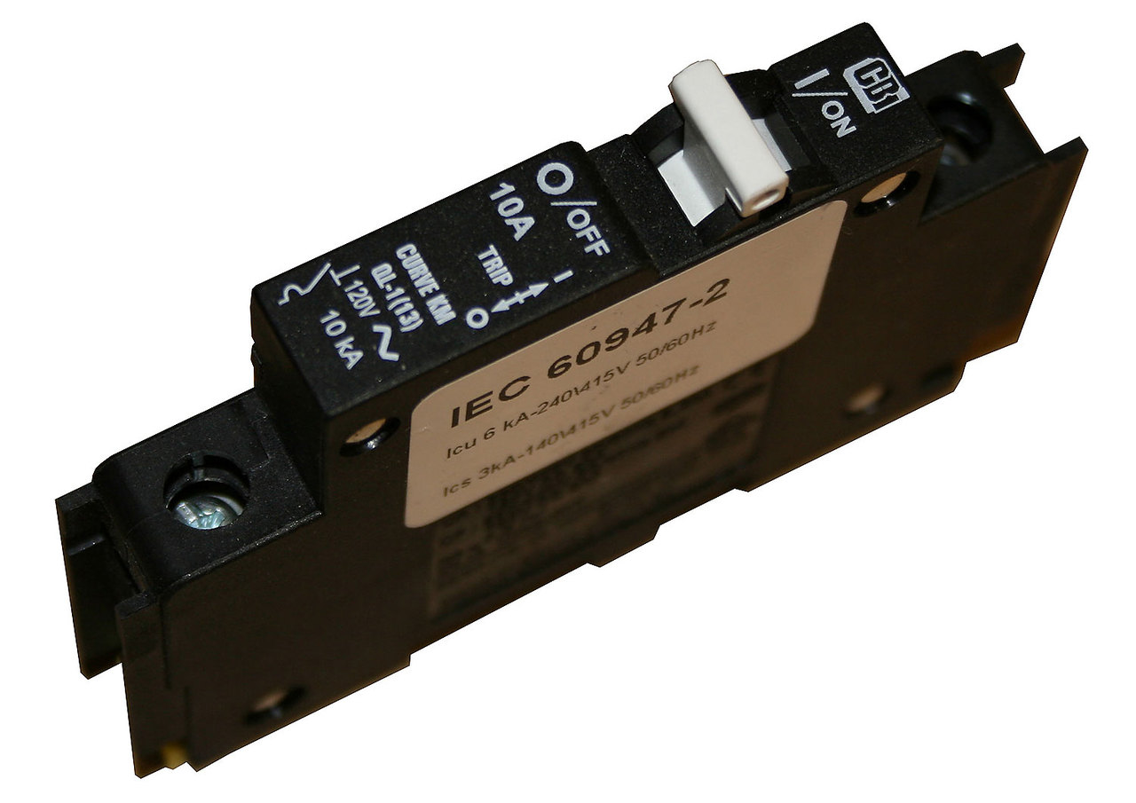 MidNite Solar 8A 150VDC DIN Mount Circuit Breaker