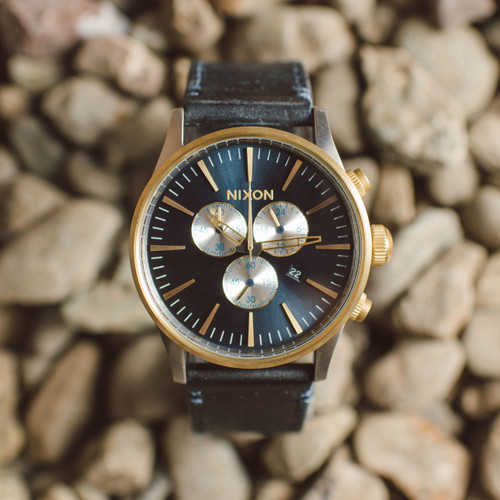 nixon sentry chrono leather goldblue sunray