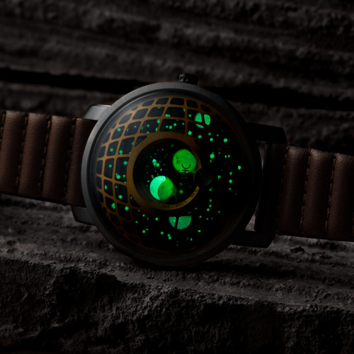 Xeric Trappist-1 Moonphase Brass Green (TMP-3017)  lume glow