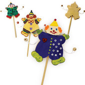 Purim craft Clown Gragger in Green