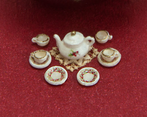 1:48 Scale Holly Decals and Tea Set